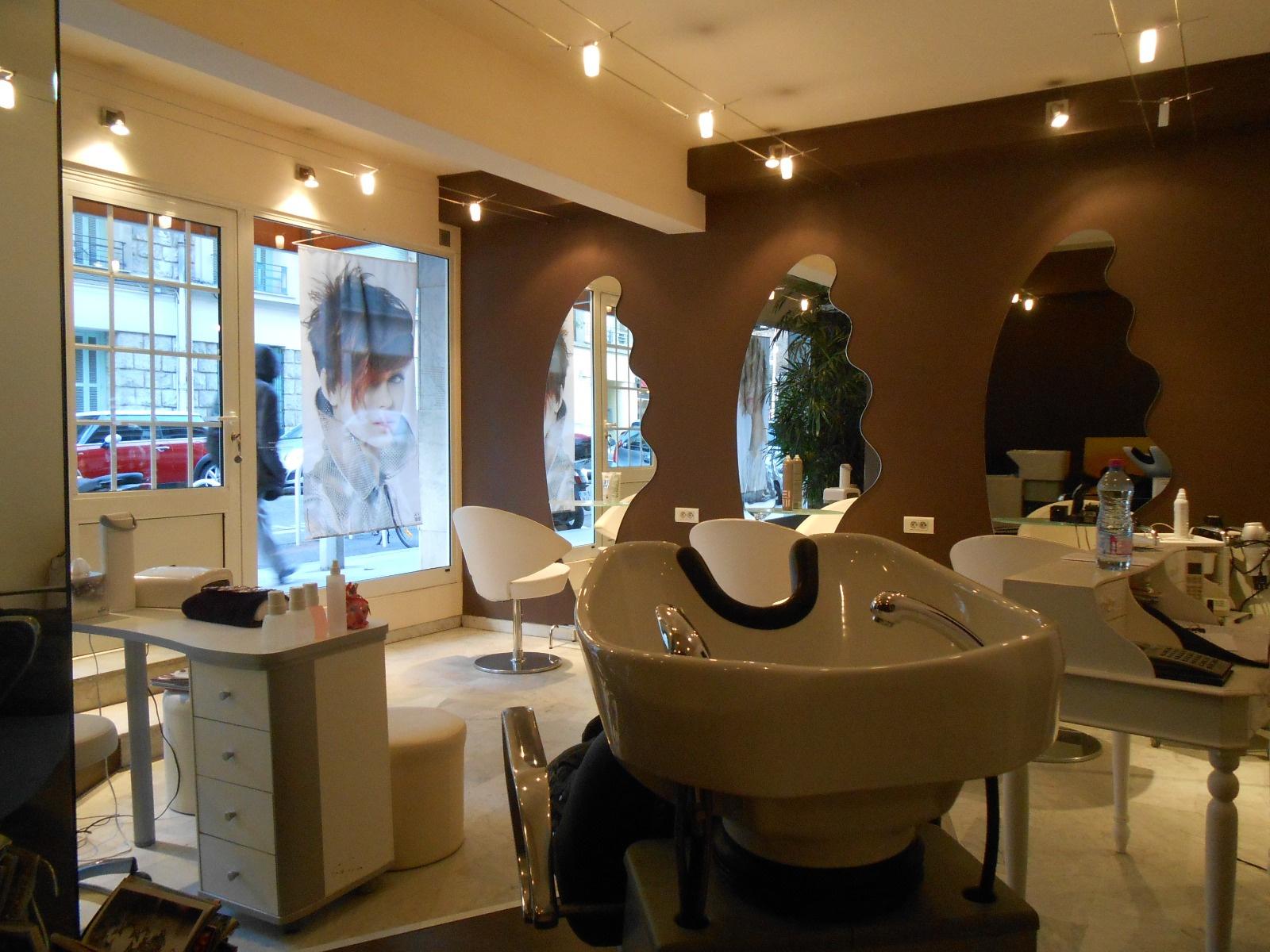 Salons de coiffure nice coiffures la mode de la saison for Salon de coiffure original