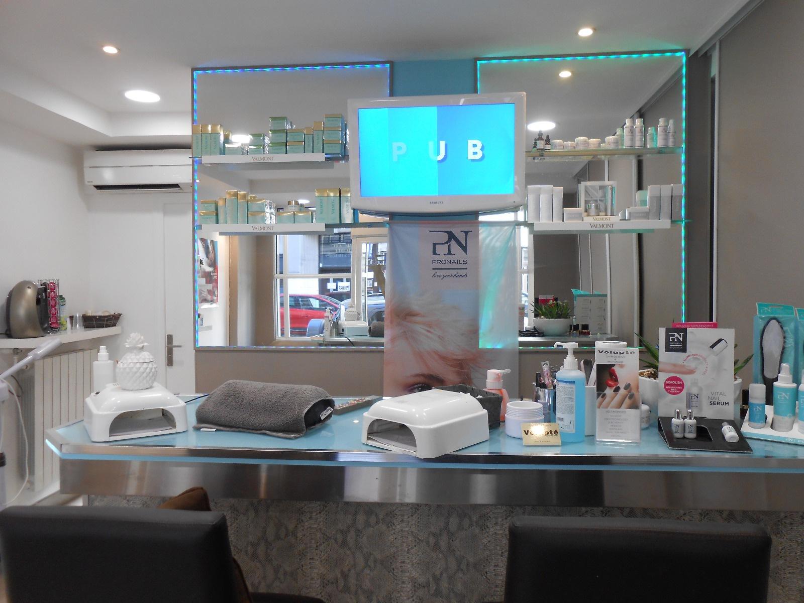 vente commerce luxueux magasin 40 m nice centre ville. Black Bedroom Furniture Sets. Home Design Ideas