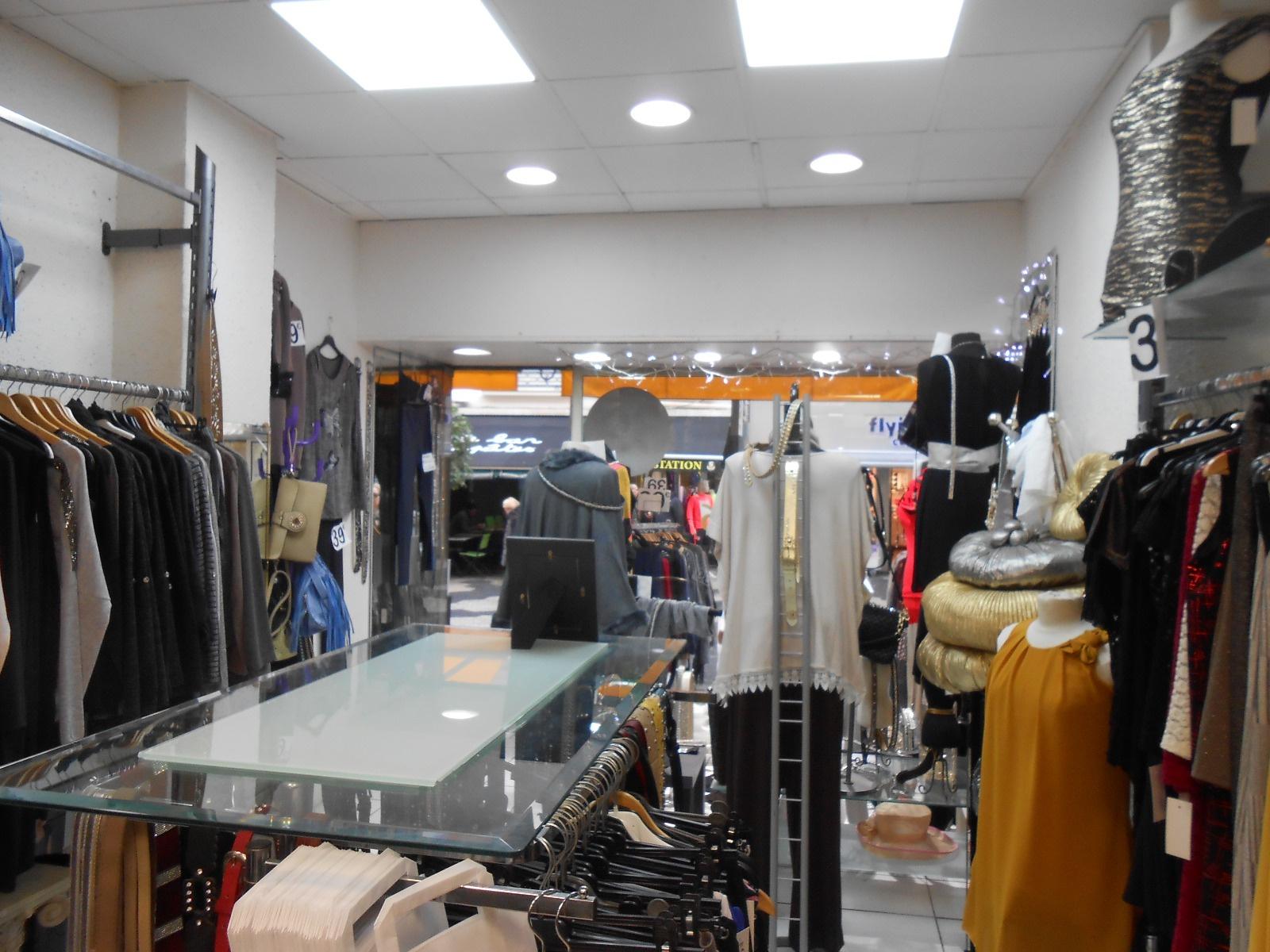 vente commerce magasin 33 m nice zone pietonne. Black Bedroom Furniture Sets. Home Design Ideas